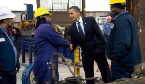 Obama saluda