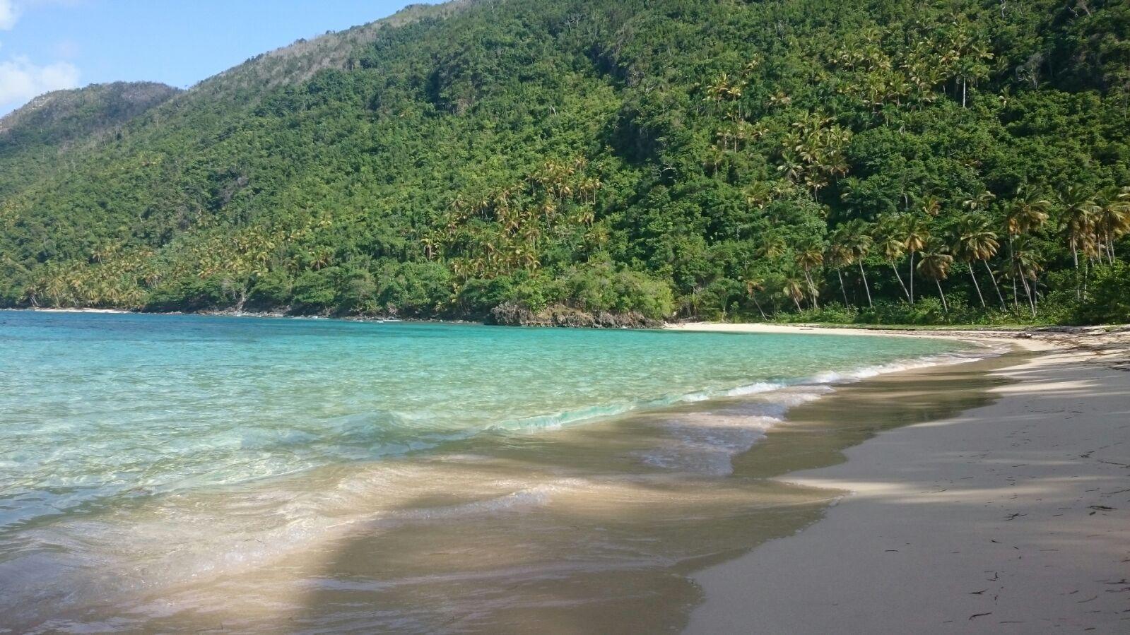 Playa Ermitaño: Una playa escondida en Samaná, República Dominicana
