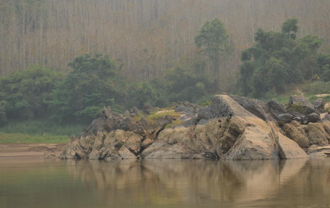 Cruzando la Frontera de Tailandia a Laos en Bote a Luang Prabang