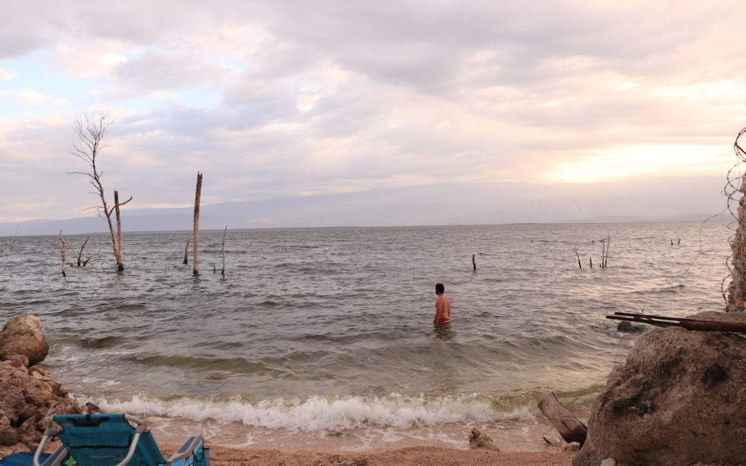 Lago Enriquillo: Kayak con Cocodrilos y Curándonos con las Aguas del Lago