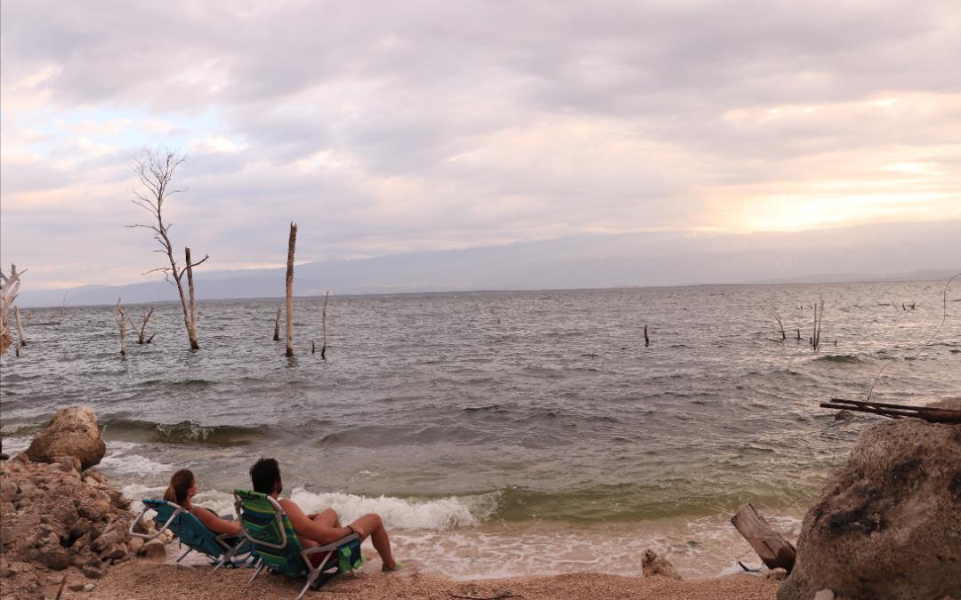 Excursión Azua y Lago Enriquillo: Baños Termales, Kayak en Lago Enriquillo & Playa Caobita