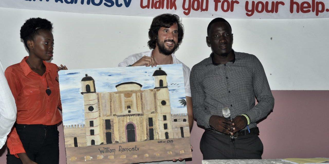Cuando los sueños vencen la barrera del dinero: Se abre Escuela de Idiomas en Comunidad Remota de Haití