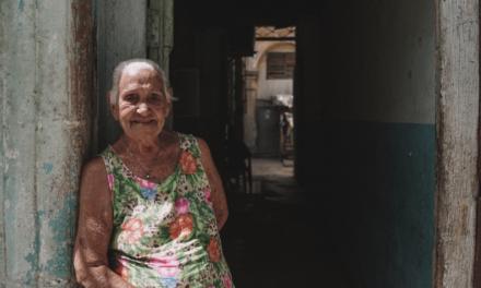 Los Rostros de Cuba: Una mirada a la gente del pueblo Cubano y sus buenas costumbres