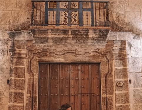 La pintoresca vida nocturna de La Habana Vieja