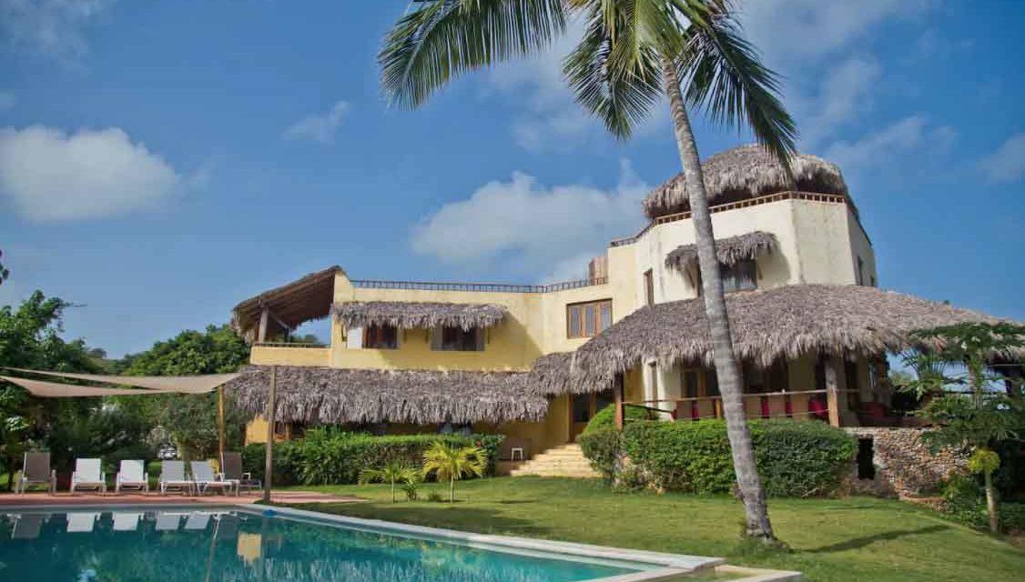 Un LUJO de VILLA con Playa Privada en Samaná, ¿La conocías?